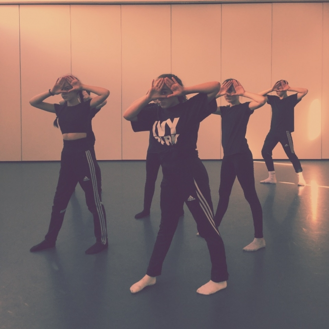 https://blackcountrydance.com/wp-content/uploads/2020/11/premiere-new-horizons-digital-dance-festival-2020.jpg